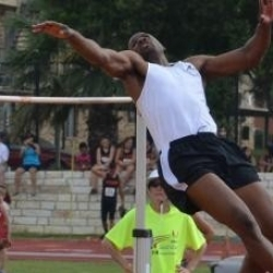 1996 Olympic gold medalist dazzles in front of fans at Texas State's Track and Field Complex